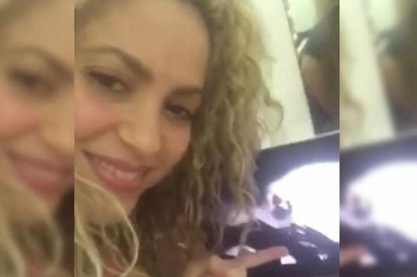 Shakira presume que Bono, líder de U2, cantó uno de sus temas en concierto (+VIDEO)