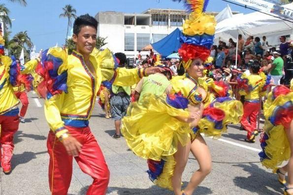 ¡Hoy también hay desfile! Checa las vías alternas por Carnaval y evita estresarte