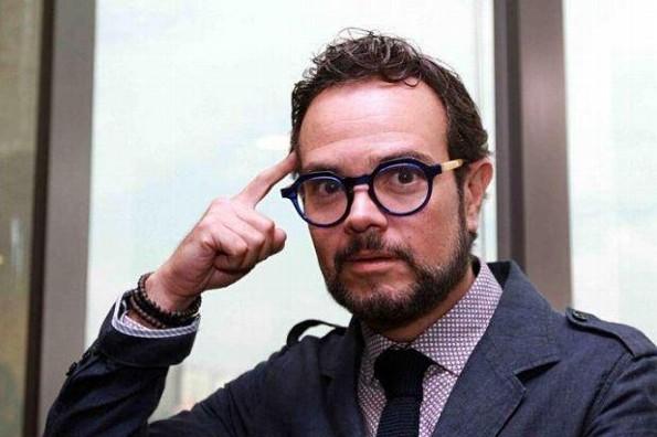 Aleks Syntek se molesta porque consideran que su música es para #Godínez (+FOTOS)