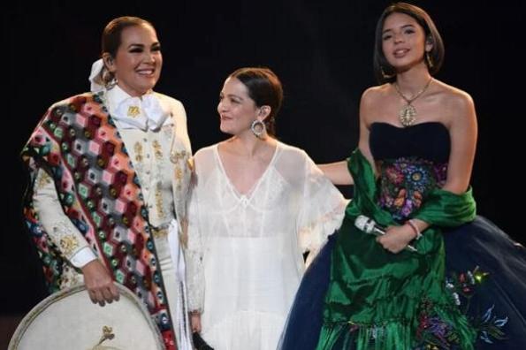 Natalia Lafourcade, Aída Cuevas y Ángela Aguilar conquistan los Grammy con