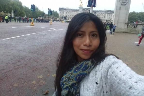 Revelan el salario como maestra de Yalitza Aparicio
