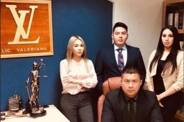 Licenciado Valeriano, el abogado que se está haciendo viral en redes