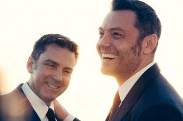 Tiziano Ferro se casa con su novio, Víctor Allen #FOTO