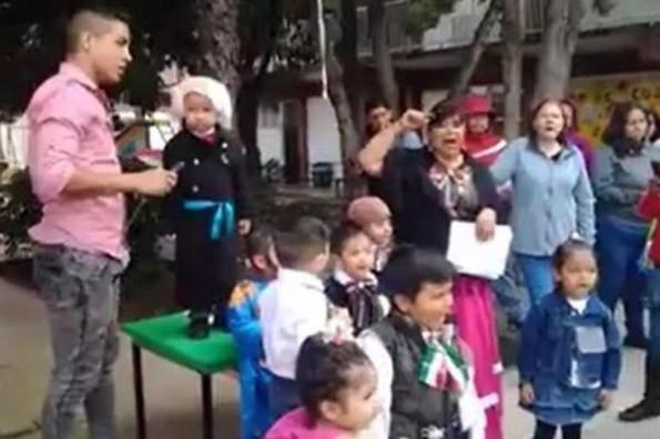 Niño se hace viral por confundirse en el grito de Independencia #VIDEO