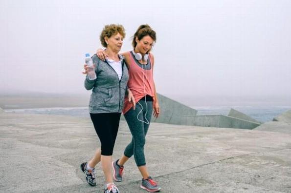 Caminar 15 minutos al día ayuda a tu salud física y mental