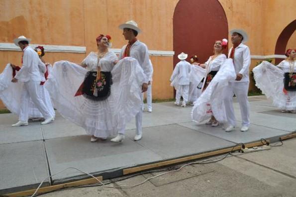 Ballet Folclórico de la UCC estará en semifinal de Miss Earth Veracruz