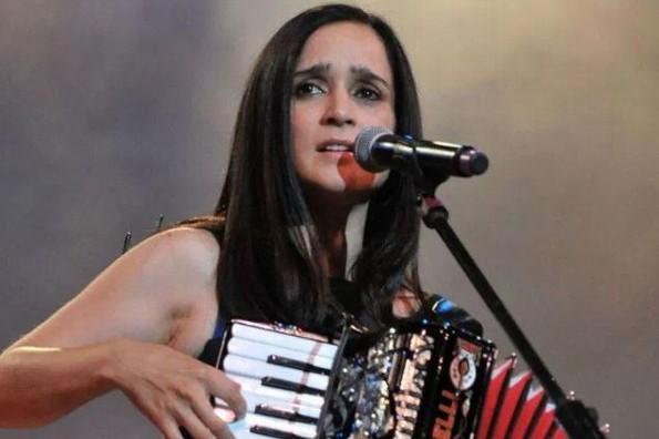 Tras años de ausencia, Julieta Venegas confirma gira en 2020