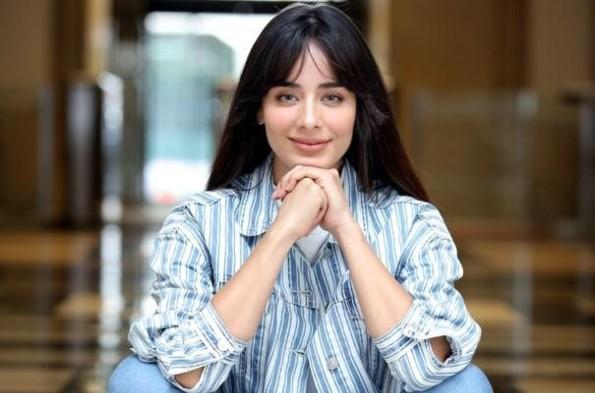Esmeralda Pimentel estrena romance con una mujer #FOTOS