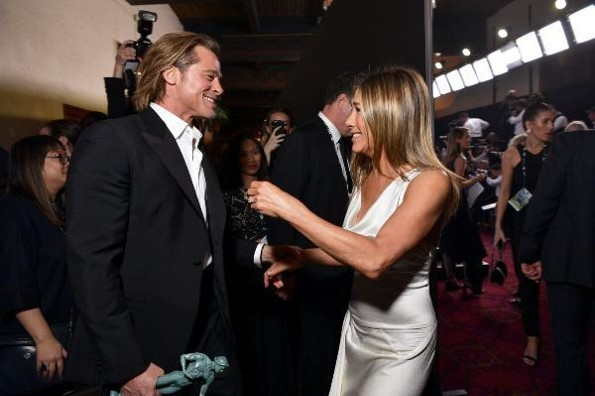 Jennifer Aniston y Brad Pitt celebran sus triunfos en los #SAGAwards #VIDEO