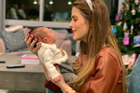 Claudia Álvarez enfrenta dificultades como madre