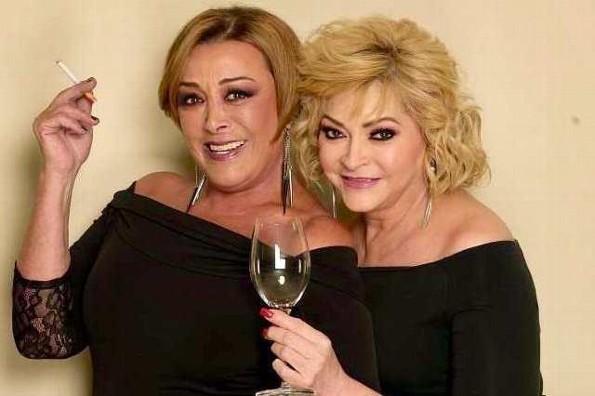Las hermanas Rocío Banquells y Sylvia Pasquel frente a frente en teatro (+video)