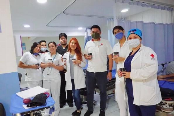 Apoya Gran Café de la Parroquia con café y pan a quienes trabajan durante contingencia