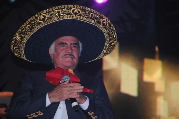Vicente Fernández en cuarentena por coronavirus, revela su hijo