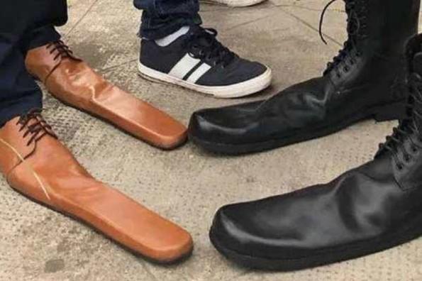 Crean zapatos para respetar la sana distancia ante el COVID-19