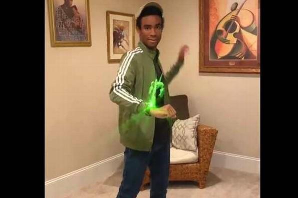 Joven hace video en TikTok y llama la atención de Disney
