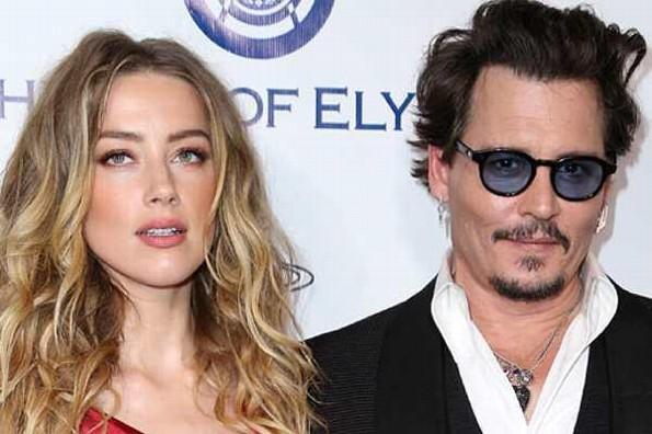Asegura Johnny Depp que se divorció de Amber Heard por defecar en la cama