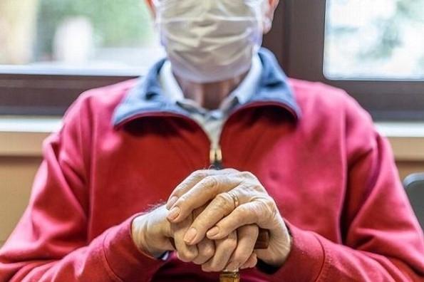 COVID-19 e invierno, dueto peligroso para adultos mayores