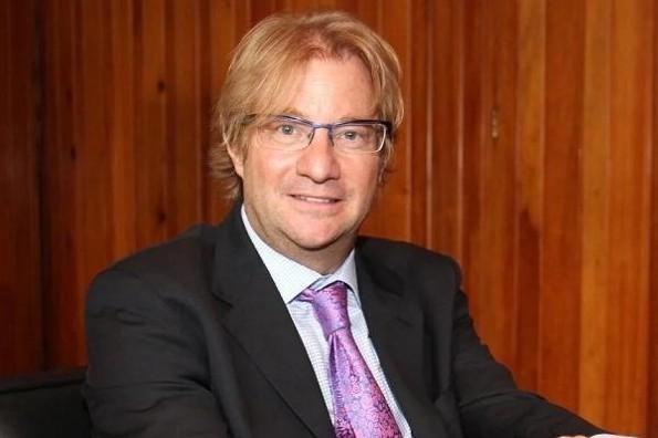 Andrés Roemer, escritor y embajador de la UNESCO, acusado de presunto abuso sexual