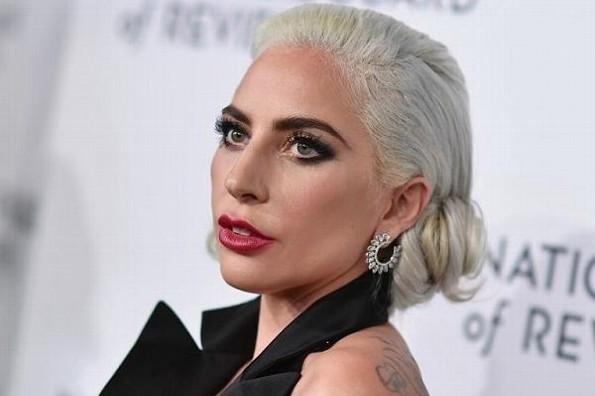 Secuestran a los perros de Lady Gaga; ofrece 500 mil dólares de recompensa