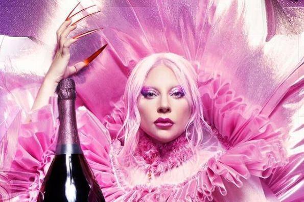 Acusan a Coldplay de plagiar a Lady Gaga