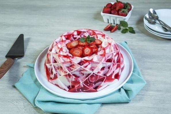 Receta de hoy: Gelatina de fresas con crema