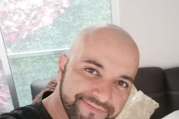 ¡Agarran a Sergio Baizabal, locutor de FUSIÓN, en el baño! (+video)