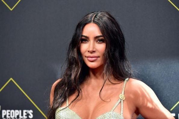 Me siento como un maldito fracaso: Kim Kardashian tras su divorcio con Kanye West