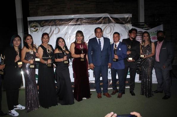 Distinguen a veracruzanos en CDMX con las Palmas de Oro (+fotos)