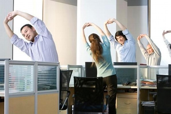 Haz pausas activas en el trabajo y ejercítate