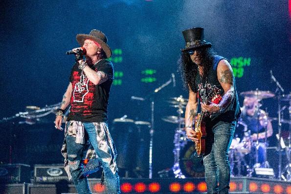 Niegan permiso para concierto de Guns N