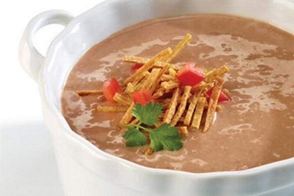 Receta de hoy: Crema de frijoles con chipotle