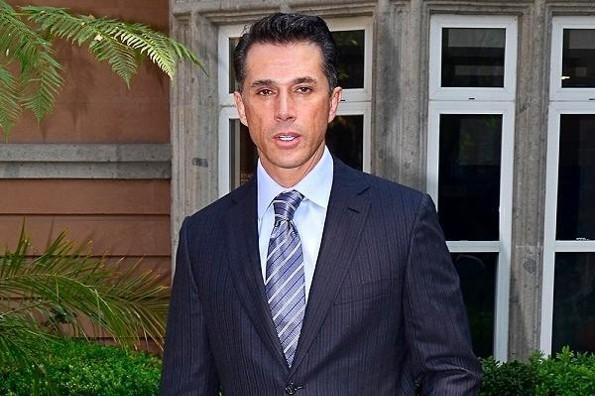 Sergio Mayer pierde un oído y revela que tiene un virus