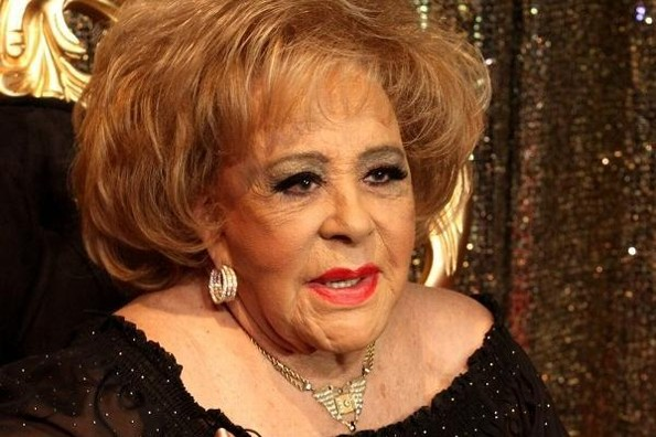 Fiestón para festejar los 90 años de Silvia Pinal ¡estrena novio! (+video)